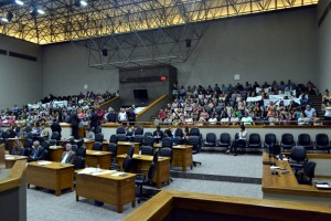 13o-salario-pressao-na-sessao-plenaria-8dez-mp-92